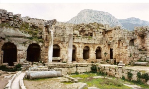 Ancient_corinth